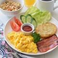 【アメリカの朝食】スクランブルエッグを真っ黄色に仕上げてくれるGABANスパイスは何でしょう?