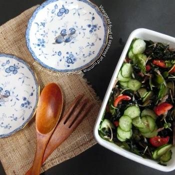 今週の作り置き☆わかめと夏野菜のビネガーサラダ