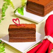 ホットケーキミックスHMで簡単お菓子♪しっとり濃厚生チョコケーキ♡バレンタインやクリスマスにも