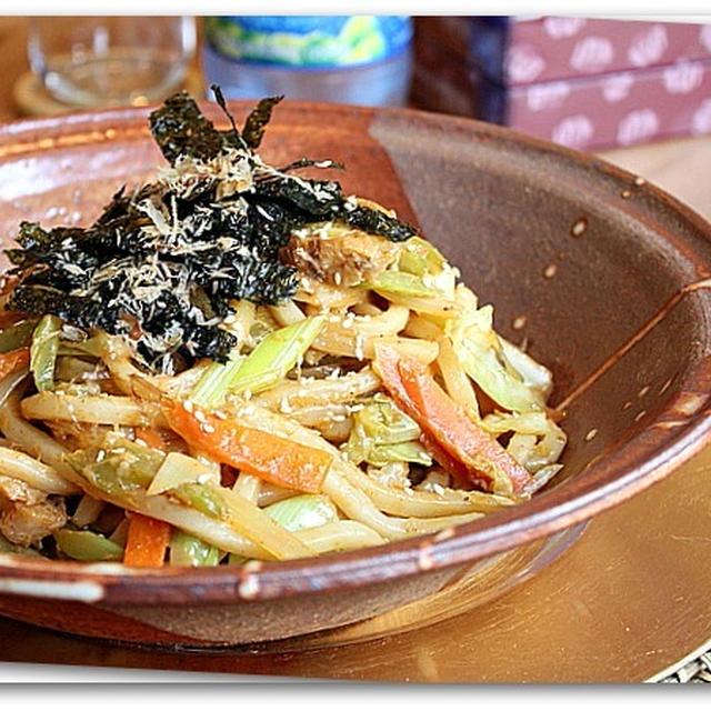 韓国味噌とコチュジャンの野菜たっぷり焼きうどん
