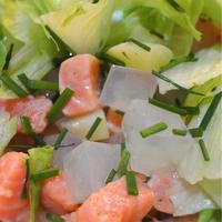 サーモンと白桃、寒天のレタスサラダ、カスタード&エストラゴン風味