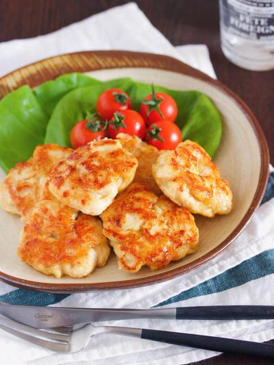 作りおきやお弁当にも♪冷めても美味しい♪『むね肉 de 味噌マヨチーズつくね』