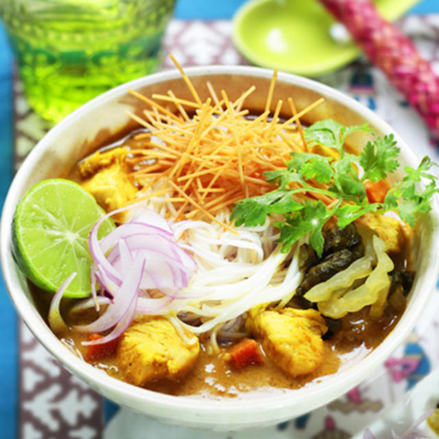 カオソイ✿残りのカレーでタイのカレー素麺★シェムリアップ観光ねぎってみる