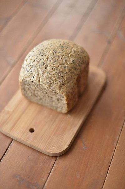 黒胡麻とじゅうねんの天然酵母パン!