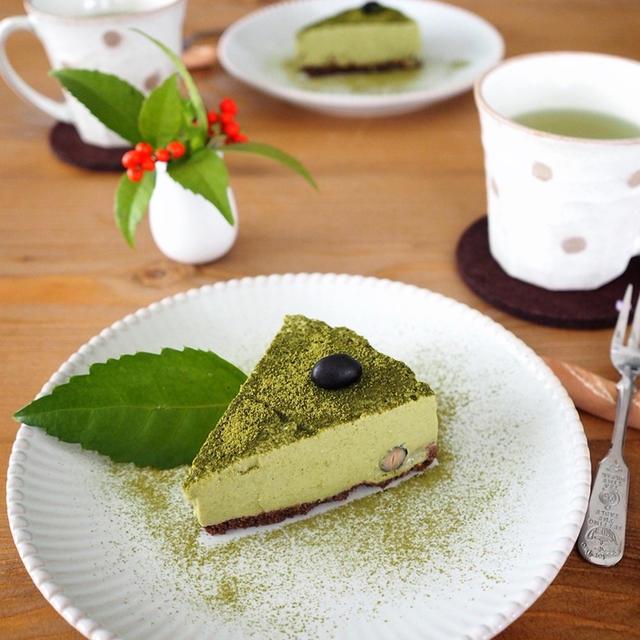 抹茶と甘酒と黒豆のレアチーズケーキ。。。