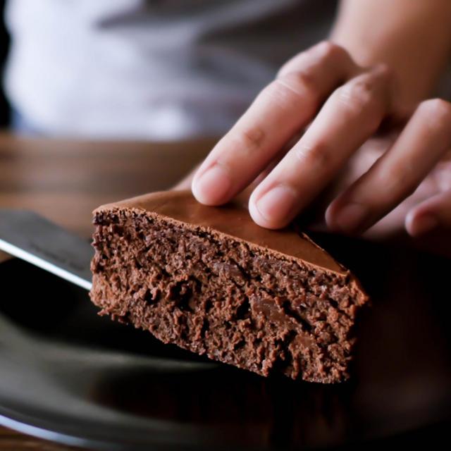 使う材料は4つだけ簡単生ガトーショコラの作り方