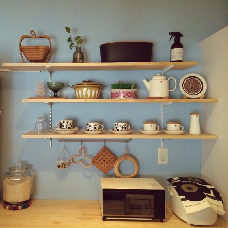 おしゃれなカップ&ソーサーやキッチンアイテムは、シンプルに並べるだけでも絵になります。<br><br...