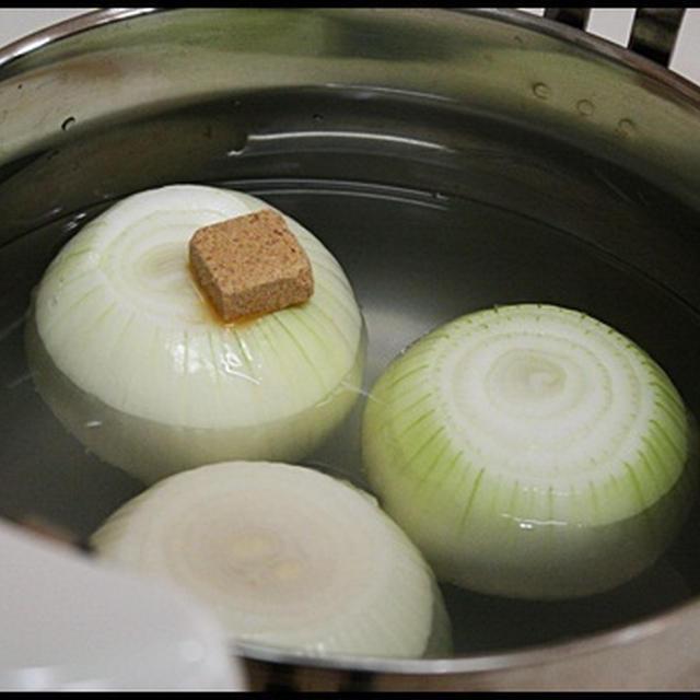シャトルシェフおすすめ隊♪冷たいたまねぎ丸ごとスープと塩ぶたジャガで夜ご飯♪