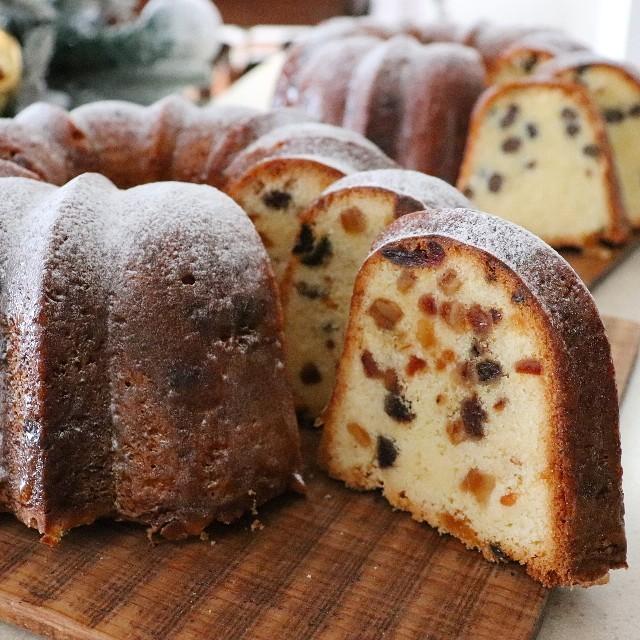 大きな型で焼く バターケーキ (バントケーキ)