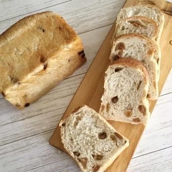 レーズン酵母でレーズン食パン