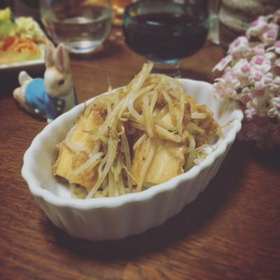簡単な副菜☆焼き肉のタレを使って♪厚揚げ豆腐ともやしの山椒バター焼き