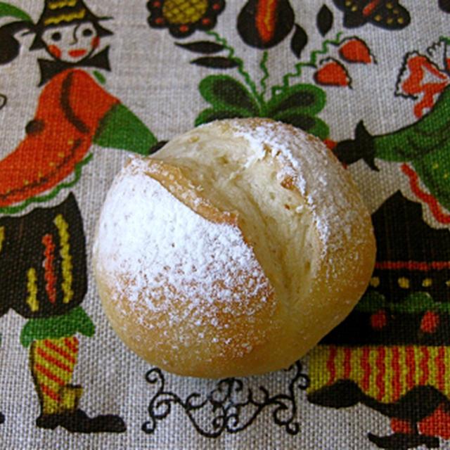 ヨーグルトのプチパン。