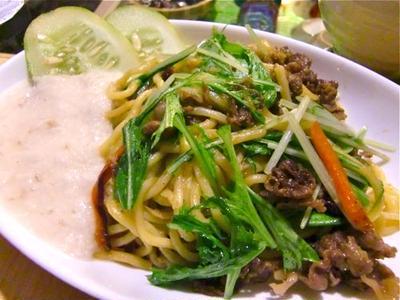 ちゃんぽん麺で牛肉と水菜の焼きそば とろろ添え