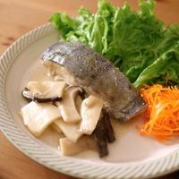 白身魚のレモンソテーにしゃくしゃく食感のエリンギが合う!
