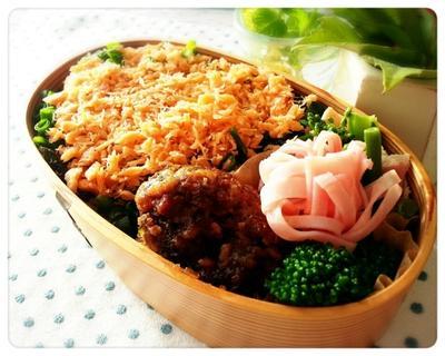 My弁当復活~♡作り置きの鮭フレーク弁当です♪(* ̄∇ ̄*)