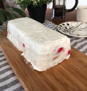 【新食感の凄い♡ひな祭りのケーキ】レンジ、オーブン不要生♡クリーム×フルーチェ×ビスケット