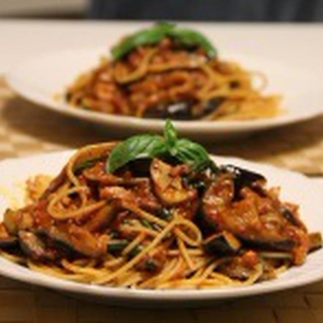 パンチェッタとなすとトマト&バジルパスタで簡単夕食