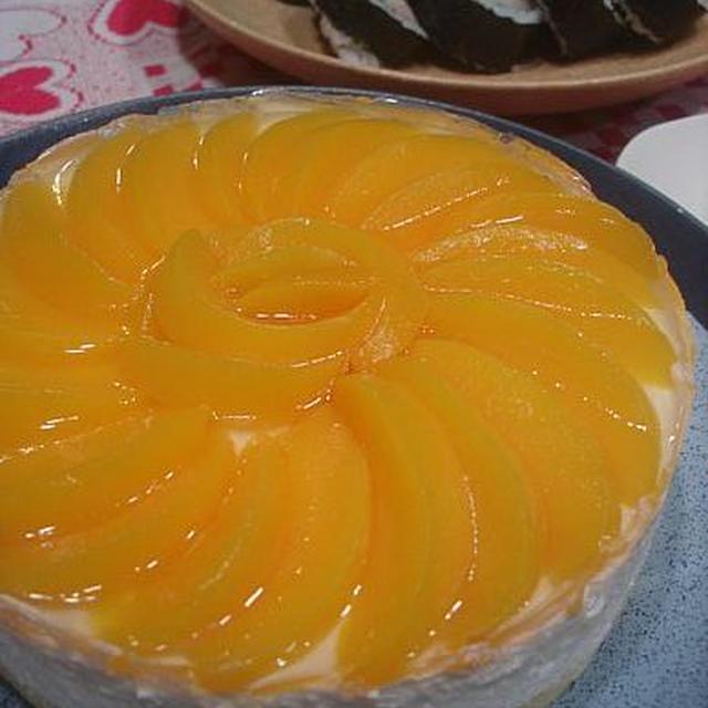 黄桃のヨーグルトムースケーキ★ひな祭りケーキ