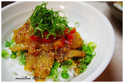 *白身魚のピリ辛ヅケ丼*【レシピ付き】