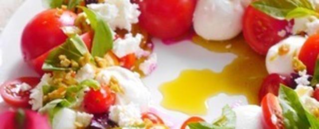 クリスマスに♪トマトとモッツァレラチーズを使ったおもてなしレシピ