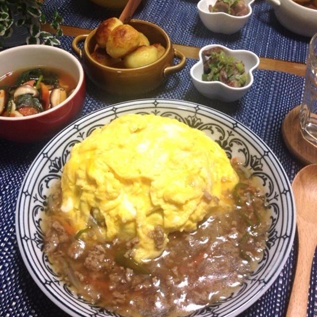 やずやさんより…十六穀米そぼろ野菜あんオムライス♪もちもちチーズポテト♪