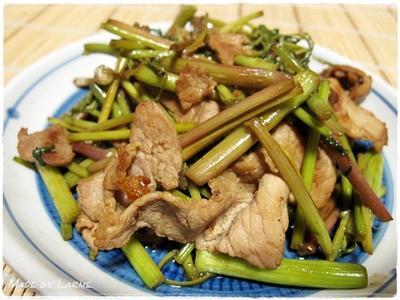 春野菜を食べよう! <セリと豚バラの炒め物>