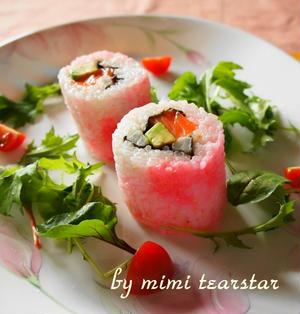 おもてなしレシピ【春色♪桜アボカドサーモンロール】