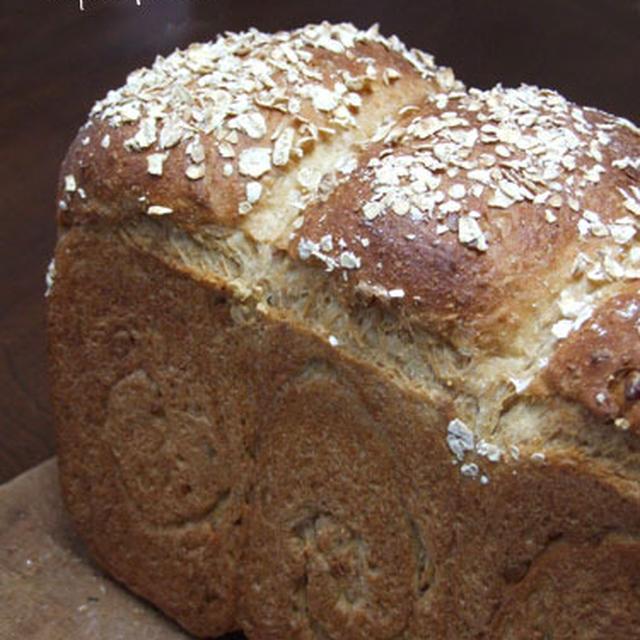 ナッツと穀物のパン