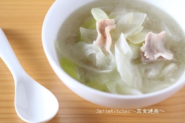 長ネギと玉ねぎのネギW使いのスープ