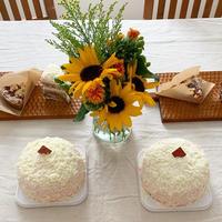 桜とホワイトチョコのケーキ