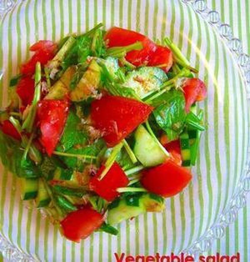 「塩」と「ちょい足し調味料」で!旬野菜のリアルな旨味を引き出すシンプルサラダレシピ