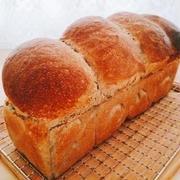 黒ねり胡麻の食パン♪お花編みパン♪ピザトーストサンド♪