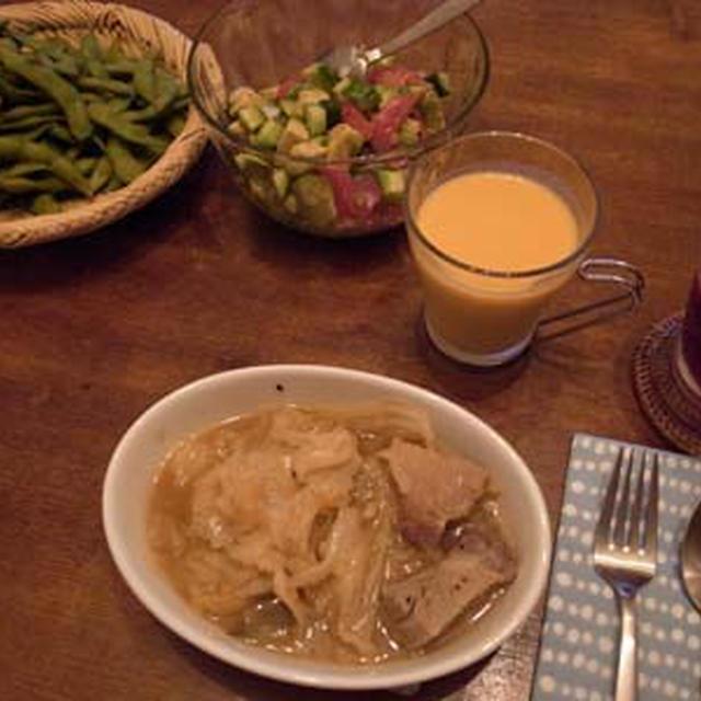 キャベツと豚肉の鍋蒸し煮。