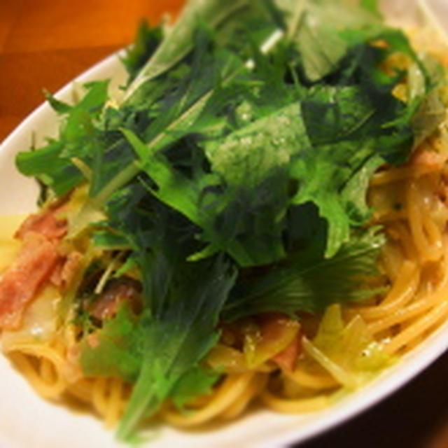 水菜たっぷり。水菜とキャベツの柚子胡椒パスタ。