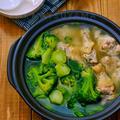 *ホロホロ手羽元とブロッコリーの鍋*栄養たっぷりなブロッコリーと、...