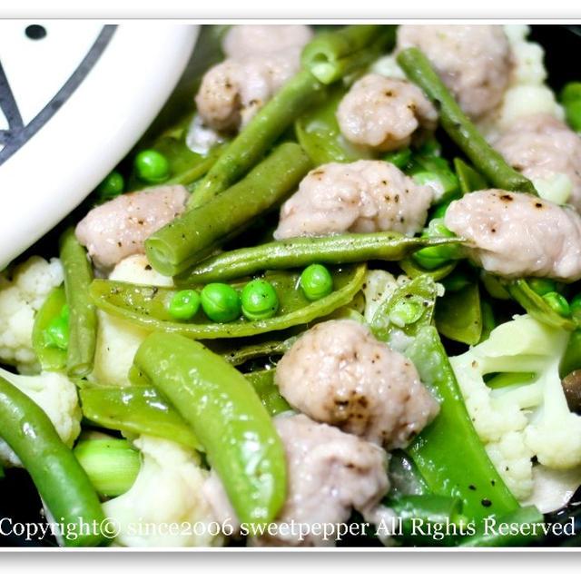 豚肉と野菜のタジン蒸し。