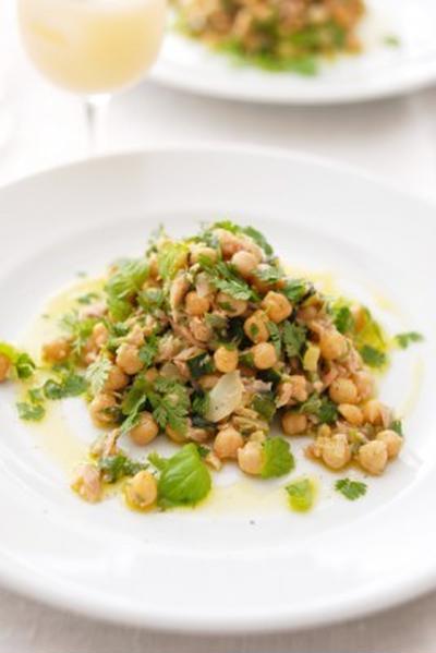 ひよこ豆とクルジェット、ツナのサラダSLADE DE POIS CHICHES,COURGETTES,THON AUX HERBES