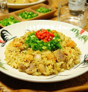 ホット!!&スパイシー♪食欲そそる☆青唐辛子たっぷり!ガラムマサラとクミンシードdeプリプリ海老とジューシー鶏肉のビリヤニ