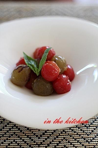 冷たくて美味しい!トマトとぶどうのマリネ