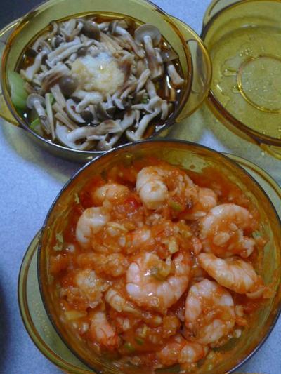時短クッキングレシピ きのことチンゲンサイの中華蒸しと簡単エビチリ