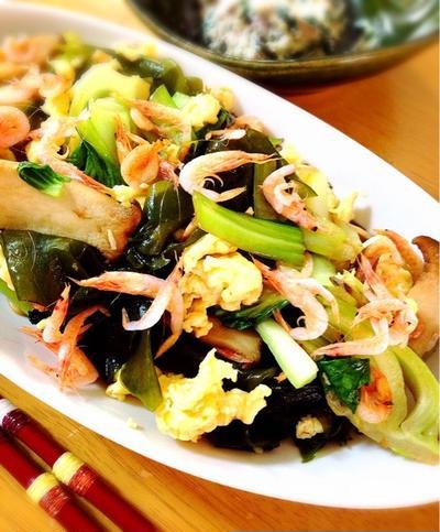 ちんげん菜と砂ワカメの昆布醤油炒め。