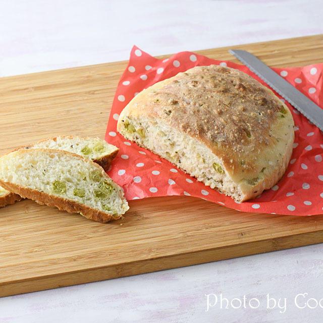 作業時間は10分以内! 捏ねずに作るうぐいす豆と山椒のパン