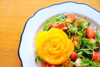 【料理動画】いちごとモッツァレラチーズのフルーツサラダとオレンジのバラ(フルーツカッティング)作り方レシピ