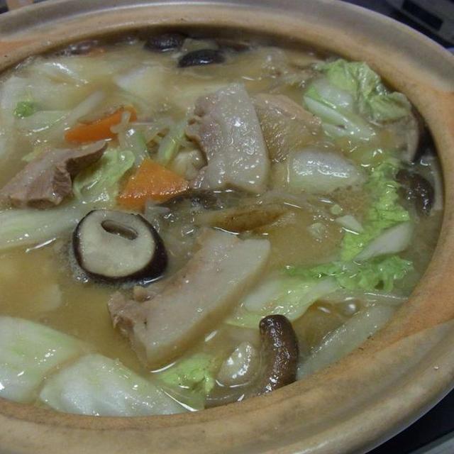 厚切り豚バラのにんにく味噌鍋