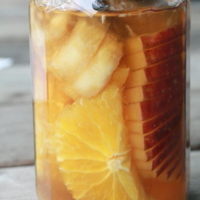 「ジュースのようなフルーティフルーツブランデー りんご×オレンジ×バナナ」
