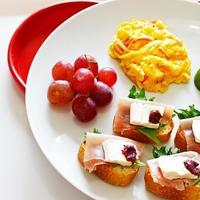 【女子力アップレシピ♡】梅とクリームチーズのカナッペの ワンプレートのレシピ♡