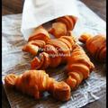 [簡単!捏ねない&発酵なし!] フライパンでサックサク☆ミニクロワッサン風 と ブーちゃんへ
