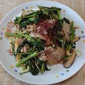 豚肉と空心菜のナンプラー風味焼そば