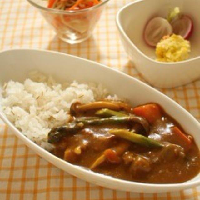 アスパラとしめじのカレー&切干大根と長芋のサラダ