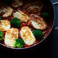 ハルミチーズを使ってベジタリアンの一品【ハルミチーズと豆のトマトシチュー、クスクス添え】